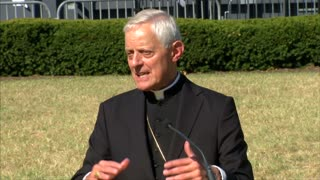 Archbishop of Washington tours upcoming site of Papal mass - Video