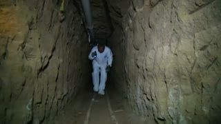 A walk through El Chapo's escape tunnel in Mexico - Video