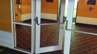 Door does spot-on impression of Miles Davis - Video