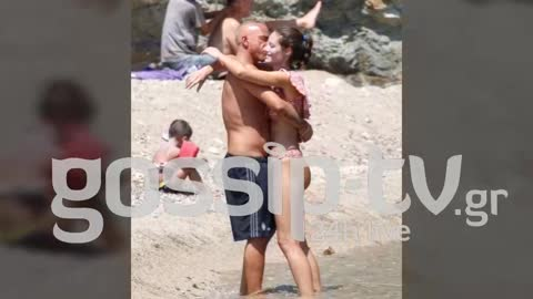 Eros Ramazzotti shows his love to his wife Marica Pellegrinelli in Mykonos