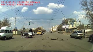 Motorcycle Crash At Big Intersection - Video