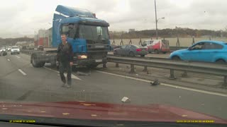 Truck Loses Spare and Crashes - Video