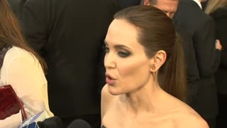 "Angelina Hits Red Carpet For ""Maleficent,"" Brad Attacked - Video"