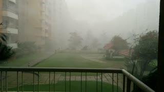 Incredible wind gusts in East Bangalore, India - Video