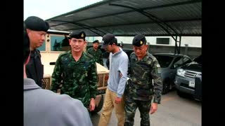 "Thai military arrests ""yellow shirt"" bombing suspect - Video"