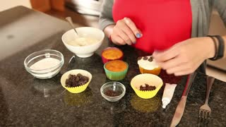 Panda bear cupcakes - teach kids something fun! - Video