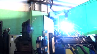 how does a welding robot work in a workshop