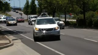 Google shows off driverless cars - Video
