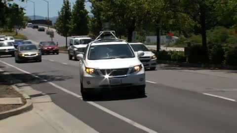 Google shows off driverless cars