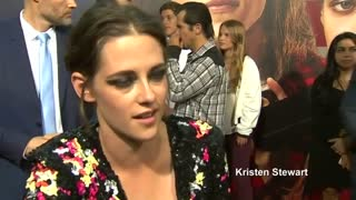 "Stars walk red carpet for ""American Ultra"" premiere - Video"