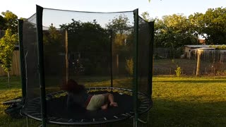 Trampoline Brutal Fail - Video