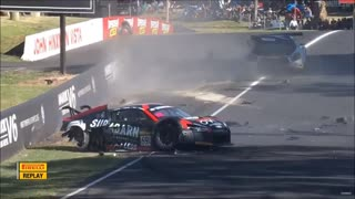 Mercedes AMG GT3 Crashes with 200 KM/H into a Audi R8 GT3  - Video