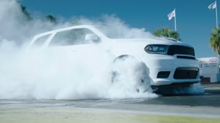 NEW DODGE DURANGO SRT 3 ROW SUV + 475HP + 392-cubic-inch HEMI® V-8 engine - Video