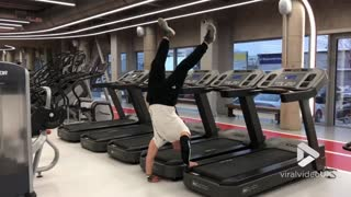 Treadmill handstand - Video