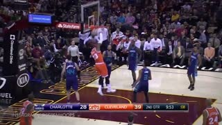 "PISSED Lebron James Yells ""Ball Don't Lie"" After Frank Kaminsky Misses Free-Throw - Video"