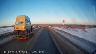 Truck Loses Load - Video
