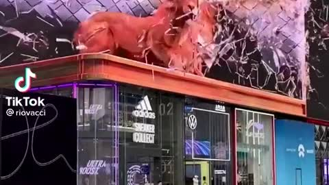 This 3d advertisement with 5g technology in China has made people running