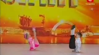 Two Awesome Dancing Kids - Video