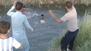 How to train a kid for swimming in canal