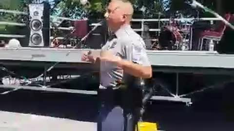 Police Officer Pulls Amazing Moves While Doing Double Dutch