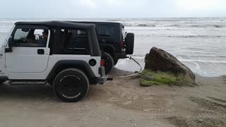 Jeep Gets Rear-Ended By Stubborn Rock - Video