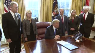 President Trump Signs Executive Order For Veterans - Video