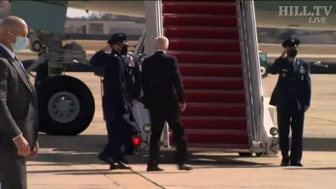 Joe Biden Repeatedly Falls While Boarding Air Force One