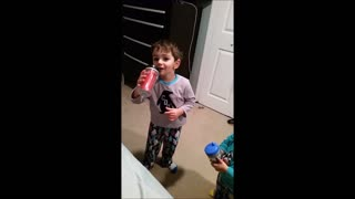 Little Brother steals the show with his booty bounce  - Video