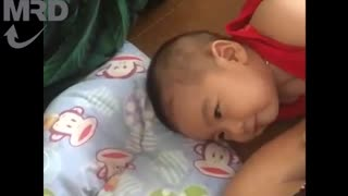 5-Month-Old Baby Laughing Hysterically With His Mom | Mom & Baby - Video