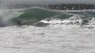 Hurricane Marie sends huge waves to Southern California - Video
