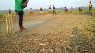 hahahahah enjoy this type of cricket with children  - Video