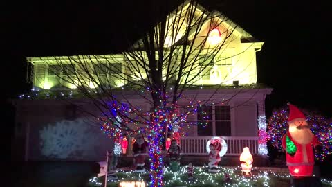 Epic Christmas light show synced to music