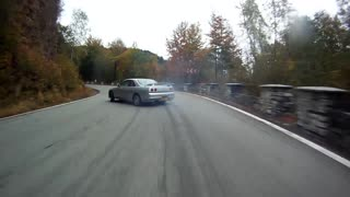 Skyline driver demonstrates jaw-dropping drift skills - Video