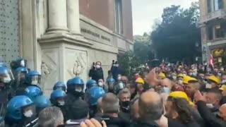 Italian police STAND DOWN
