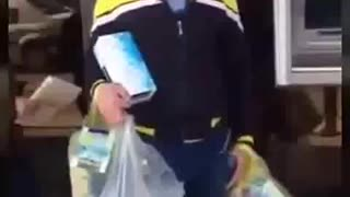 Man singing during selling some tissue boxes - Video
