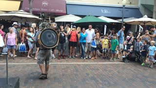 Awesome One-Man Band In Florida - Video