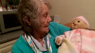 Christmas Gift To A Grandmother With Dementia - Video
