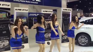 Alpine Girls Dancing Awkwardly - Video