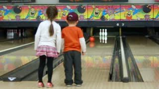 Kids Use The Classic Slow Bowling Strategy - Video