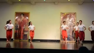 Thai girls and pantomime style - Video