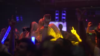 Crowd at Paris Hilton's Foam & Diamonds event - Video