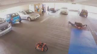 MMA Fighter Catches Car Thief - Video