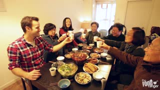 Eating Home Cooked Szechuan Food in Chengdu - Video