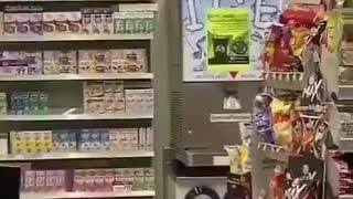 Giant lizard takes over 7-Eleven in Thailand