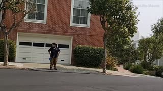Man salutes before defecating in front of Nancy Pelosi's home