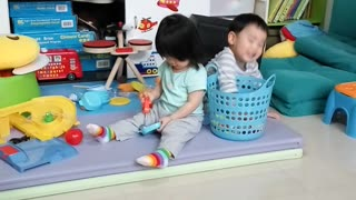 Pepper's World: 2 years old kid playing toy