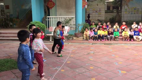 Vietnamese folk game: Pirates of the Flag