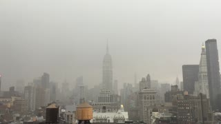 Lightning strikes Empire State Building - Video
