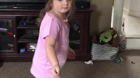 4-year-old busts out funny dances moves on hoverboard