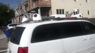 Self-driving 'Apple' van spotted in New York - Video